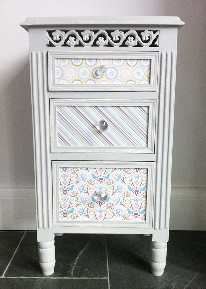 Decoupage_Art_french_grey_bedside_table
